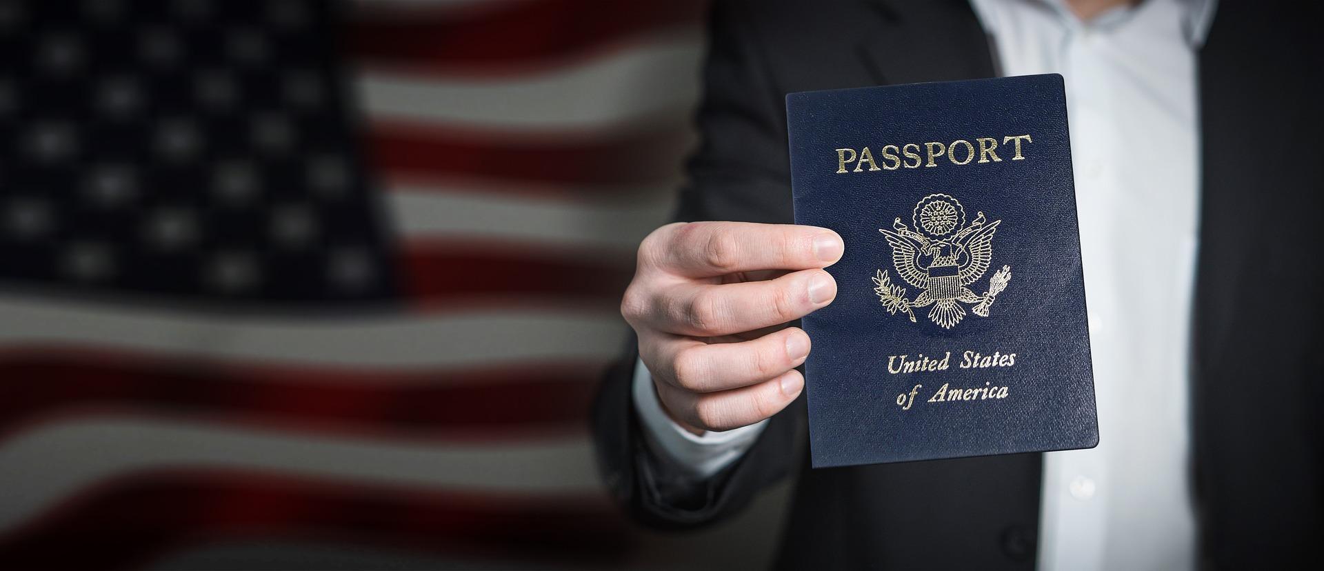 Wymiana paszportu. Jak wyrobić paszport?